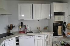 customiser meuble cuisine customisation de la cuisine pour la rajeunir un peu maison et domotique