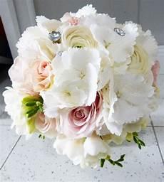 Brautstrauß Hortensien Und - brautstrauss mit hortensien fresien romantisch