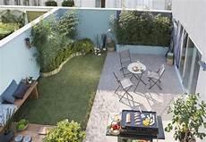 Amenagement Terrasse Jardin De La Pelouse Pour Un Petit Coin De Jardin Des Dalles