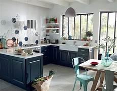 meuble cuisine bleu castorama cuisine candide bleu nuit une cuisine