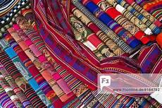 Indianische Muster Malvorlagen Englisch Handgewebte Stoffe Mit Traditionellen Mustern Der Quechua