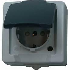 doppelsteckdose mit schalter feuchtraum schalter programm aufputz steckdosen