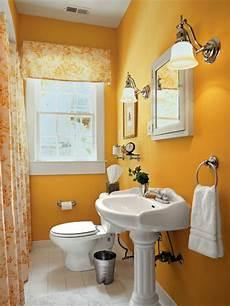 kleine badezimmer neu gestalten gute baddidee kleiner spiegelschrank und gelbe