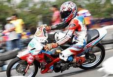 Modifikasi Motor Road Race by Modifikasi Karisma 125 D Gambar Motor Road Race Myotomotif
