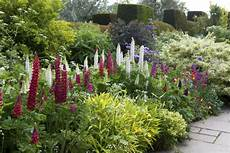 20 tips for creating beautiful garden borders real homes