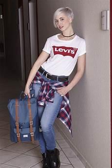 90er Damen - 90s kommen die 90er wieder in mode levis logos