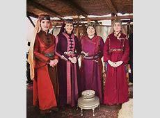 Dirilis Ertugrul Cast   Turkish dress, Fashion tv, Esra bilgic