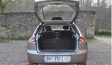 Essai Comparatif Renault Laguna 2 0 Dci 150 Ch Vs Ford