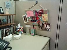 Decorating Ideas For Office Cubicle by 20 Creative Diy Cubicle Decorating Ideas Hative