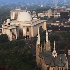 Masih Ribut Ribut Soal Tolikara Masjid Dan Gereja Ini