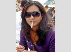 HOT: Indian Girls Smoking Hot Indian Girls Smoking