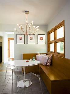 solution for oak trim contrasting but neutral natural paint color and a mix of modern elements