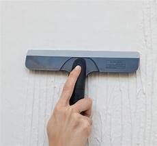 lisser un mur crépi magic renov application facile enduit lisser en