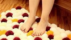 tappeti in feltro creare un simpatico tappeto con filo di