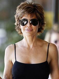 70 hairstyles for women over 50 with glasses