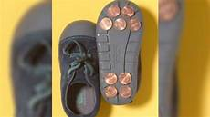 Immer Mehr Eltern Kleben M 252 Nzen Auf Die Sohlen Der Schuhe