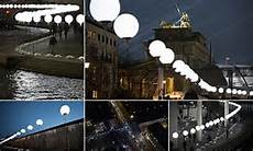 8 000 balloons light up berlin wall as germany marks 25 years since its fall daily mail online