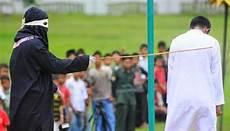 Sanksi Bagi Pelaku Zina Dalam Perspektif Hukum Islam