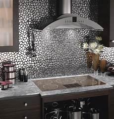 carrelage mur cuisine moderne carreau verre cr 233 dence cuisine fond de hotte cuisine arco