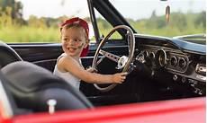 ab wann dürfen kinder im auto vorne sitzen ab wann d 252 rfen kinder im auto vorn sitzen netpapa de
