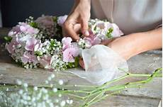hortensien gesteck selber machen tischdeko zur kommunion oder konfirmation selber machen