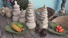 beton giessen diy gartenstehlen gartendeko skulptur