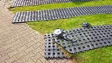 Rasengitter Kunststoff Hornbach - kunststoff rasengittersteine ohne unterbau direkt auf den