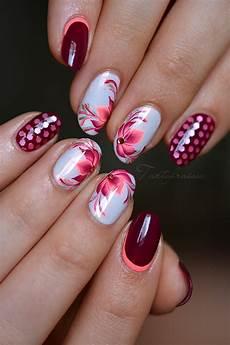 ongles nail fleur
