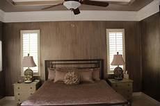 dunkle holzdecke aufhellen ceiling ideas for bedroom bedroom paint color schemes