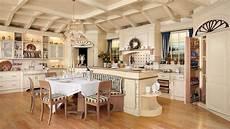 cucine francesi arredamento cucina in stile country progettata realizzata su misura da