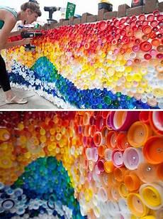Basteln Mit Flaschendeckeln - basteln mit plastikflaschen wanddeko mit flaschendeckel