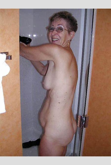 Full nude granny oma mature
