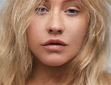 Christian Aguilera Ungeschminkt Im Paper Magazine Stylebook