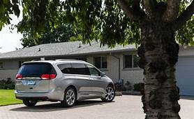 2018 Chrysler Pacifica  Cargo Space And Storage Review