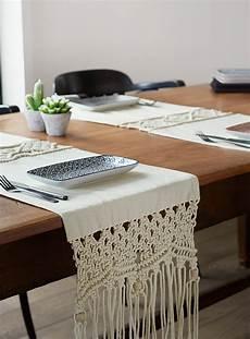 chemin de table en centres et chemins de table accessoires de table simons