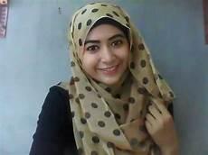 Tutorial Memakai Jilbab Modis Anggun Exbelo