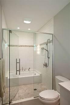 Bathroom Ideas Tub And Shower by 25 Best Ideas About Tub In Shower On Bathtub