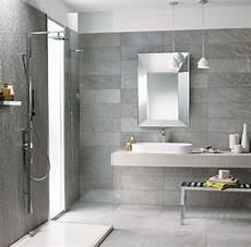 bagno rivestimento un bagno moderno con il grigio elegante della collezione