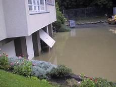 Garage Im Keller Einfahrt by Hochwasser Berner Oberland August 2005