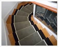 tesri les tapis d escaliers classiques collection rayures 174