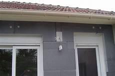 isoler une maison par l extérieur travaux isolation thermique toiture maison conseils pour