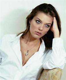 Story Americas Next Top Model Adrianne Curry Of Thrones Elopement