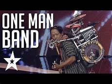 the one man one band performs stand by me on indonesia s got