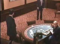 мужик проиграл 1 миллион в казино и в ярости