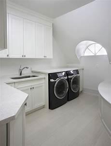 Schrank Für Waschmaschine Und Trockner Nebeneinander - trockner auf waschmaschine oder daneben praktisch stellen