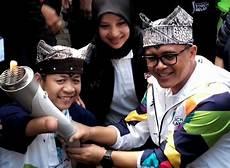 Bupati Banyuwangi Dan Kang Zul Bangga Bawa Obor Asian