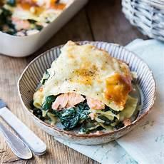 Lachslasagne Mit Spinat Bechamelsauce Und Parmesan