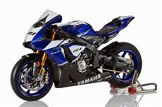 yamaha yzf r1 racing caf 232 yamaha yzf r1 factory bike 2015