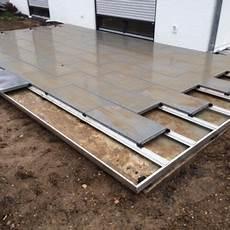 terrassenplatten auf treppe verlegen terrassenplatten verlegen mit dem metten profilsystem