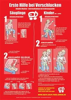 richtig streichen erste hilfe bei wenn ein baby sich verschluckt ist schnelle hilfe wichtig